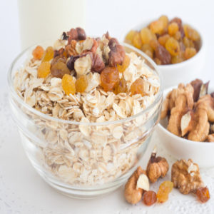Yến mạch cán mỏng DK Harvest là loại thực phẩm tốt cho sức khỏe, dễ sử dụng